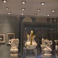 Выставка «Страницы истории. К 100-летию Музея керамики» фотографии