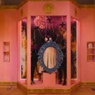 Выставка «Символы моды. Энергия эпохи» фотографии