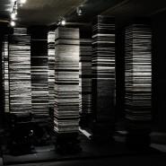 Выставка «Алла Урбан. Из железа в каплю света» фотографии