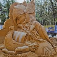 Выставка скульптур из песка «Из глубины веков» фотографии
