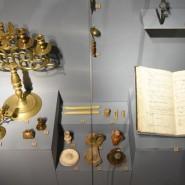 Выставка «Свет в оконце. Осветительные приборы в русском средневековом быту» фотографии