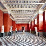 Выставка «Эрмитаж. Дворцы Санкт-Петербурга» фотографии