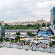 Летний кинотеатр в пространстве «Площадь Сити» 2017 фотографии