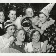 Выставка «Новогодняя история. Традиции празднования» фотографии