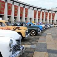Выставка ретроавтомобилей на Поклонной горе 2019 фотографии