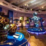 Выставка «Юбилейные даты космонавтики» фотографии