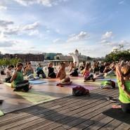 Йога в парках Москвы 2019 фотографии