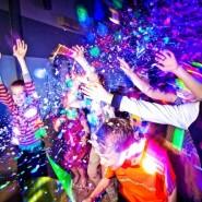 Новогодняя шоу-дискотека для школьников8-16 лет фотографии