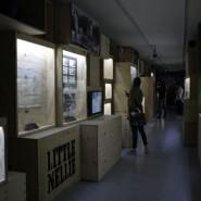 Выставка: «Дизайн 007: 50 лет стилю Джеймса Бонда» фотографии