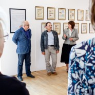 Выставка «Культ поэта. Владимир Маяковский в предметах коллекционирования» фотографии