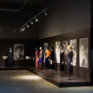 Выставка «Кино и мода. Платья знаменитых киноактрис из фонда Александра Васильева» фотографии
