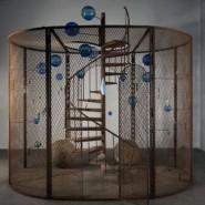 Выставка «Луиз Буржуа. Структуры бытия: клетки» фотографии