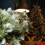 Лучшая новогодняя елка — Елка на батутах фотографии