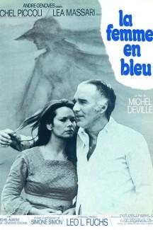 Женщина в синем