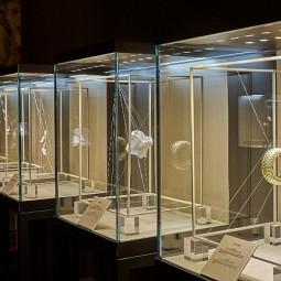 Выставка «Мастерство ювелиров Damiani»