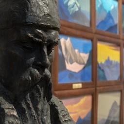 Экспозиция «Сохраняя культуру. Музей Рерихов на ВДНХ»