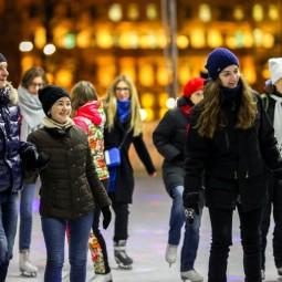 Зимние выходные на катке в саду «Эрмитаж» 2018/19
