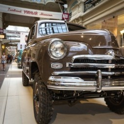 Выставка автомобилей «Победа» в ГУМе