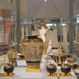 Выставка «Страницы истории. К 100-летию Музея керамики»