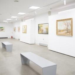 Выставка «В зеркалах»