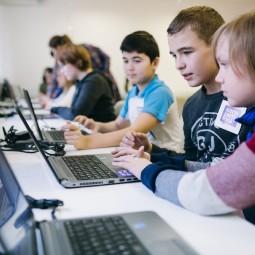 Курс по 2D-дизайну для детей 10-14 лет от «Алгоритмики»