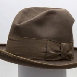 Выставка «Шляпу оставляй в прихожей…»