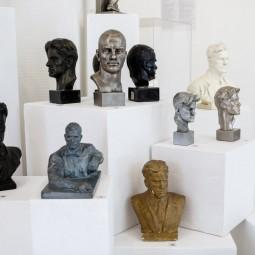 Выставка «Культ поэта. Владимир Маяковский в предметах коллекционирования»