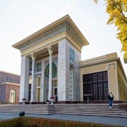 Выставка памяти Таира Салахова