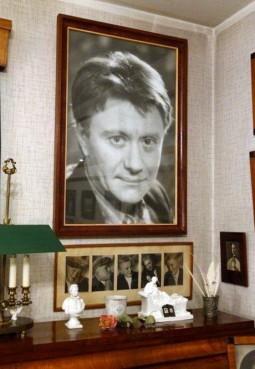 Музей-квартира актерской семьи М.В., А.А. Мироновых — А.С. Менакера