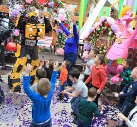 Большой семейный праздник в парке аттракционов Happylon в ТРК VEGAS