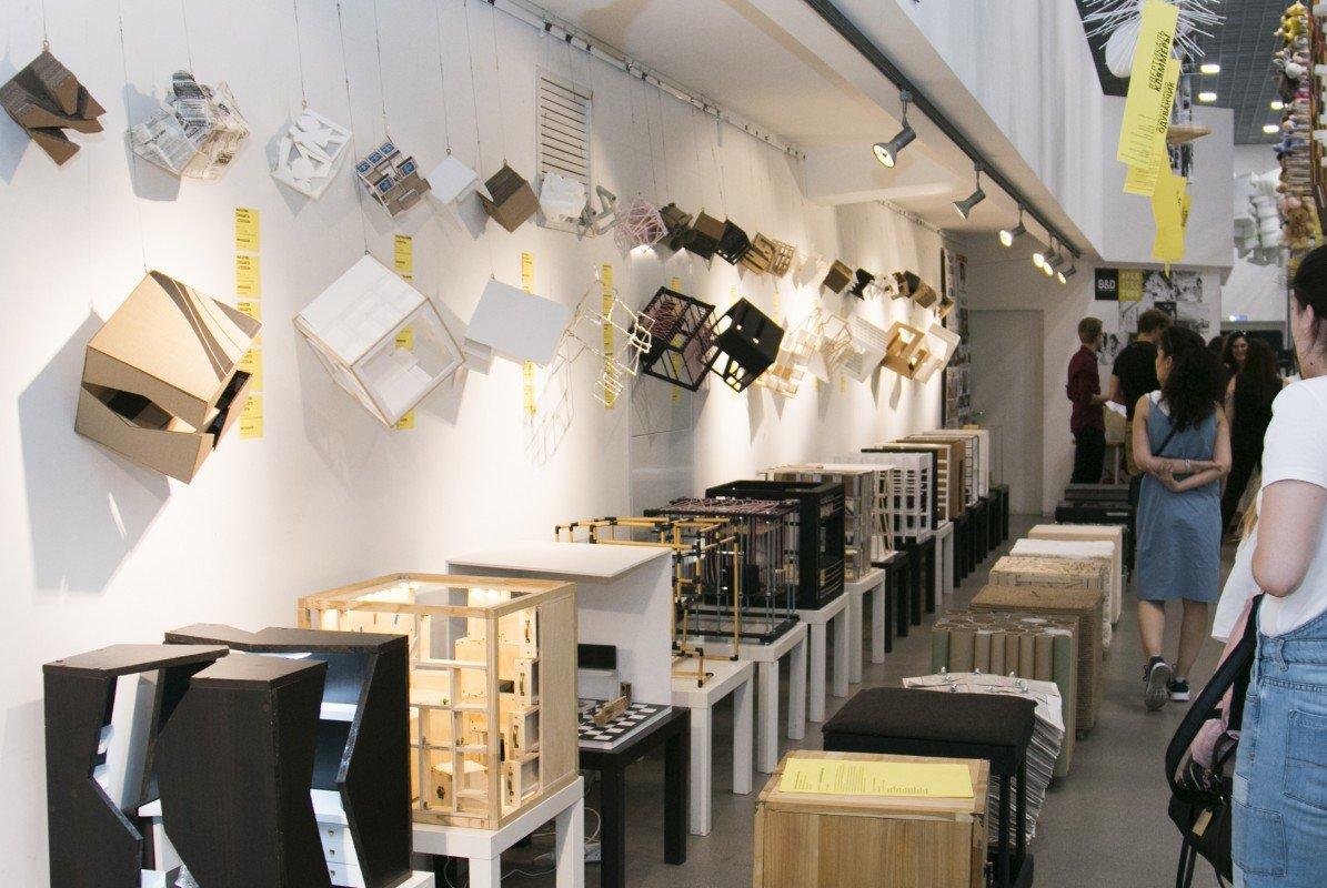Выставка «Молодое искусство вконтексте дизайна»