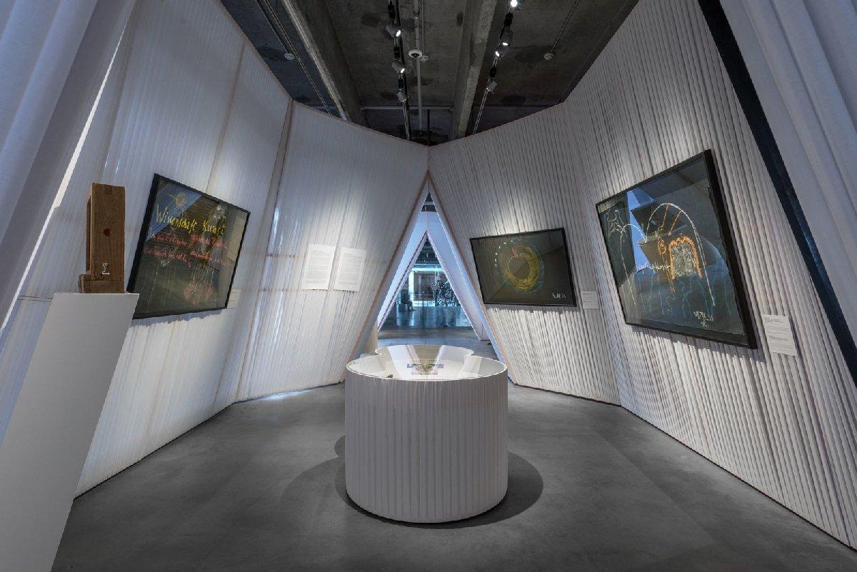 Выставка «Другой Восток исверхчувственное познание врусском искусстве. 1905–1969»