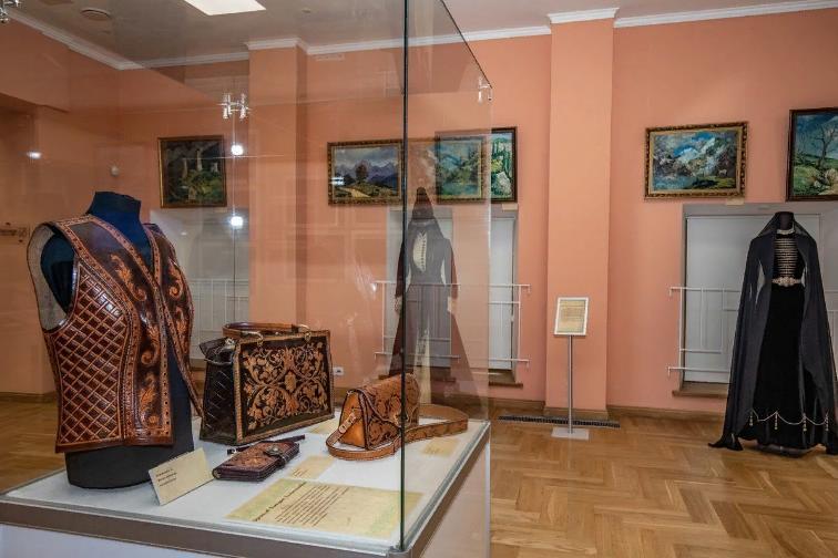 Выставка «Ингушские мотивы вдуше России»
