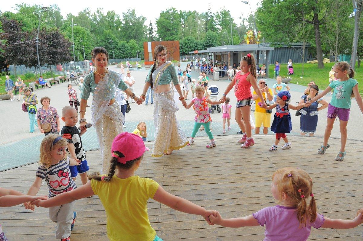 День любви, семьи иверности вЛианозовском парке 2017