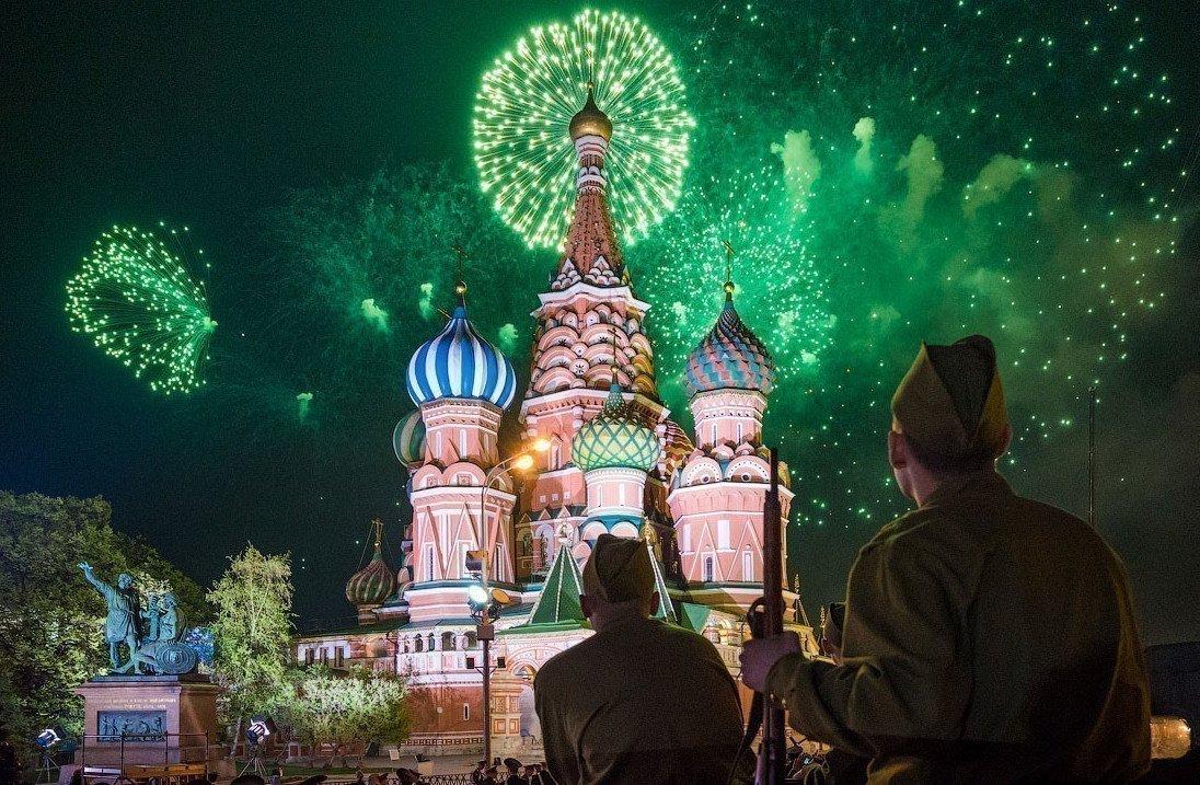 Салют на9 мая вМоскве 2019