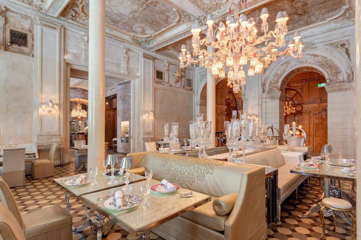 Ресторан «Cristal Room Baccarat»