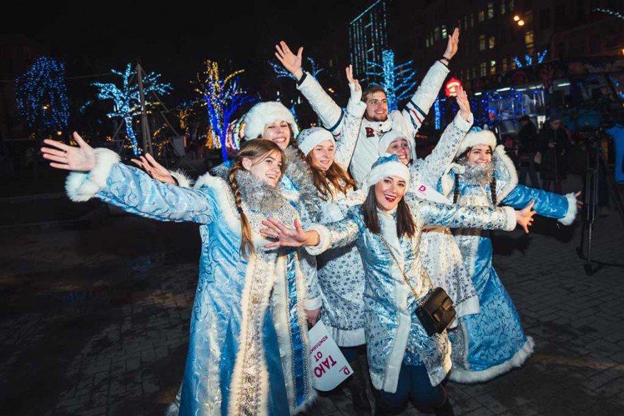 Парад Снегурочек 2018
