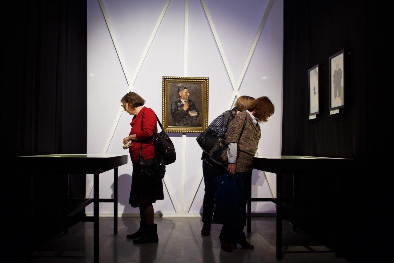 Выставка «Булгаков. Две биографии»