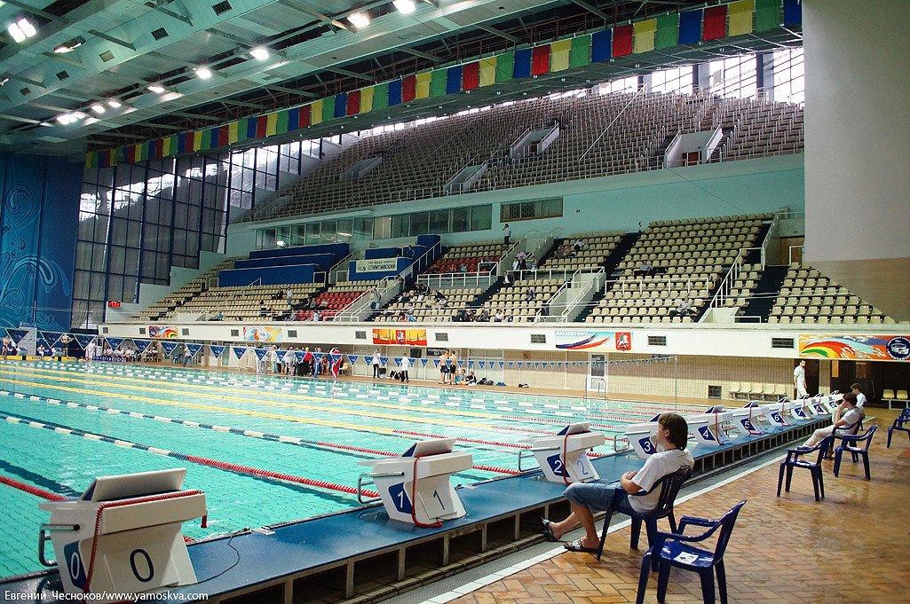 черно-белых фото бассейна олимпийский москва хэллоуина