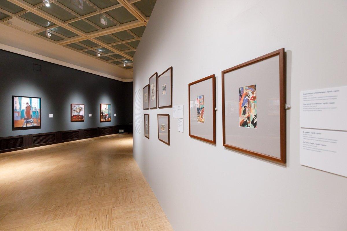 Выставка «Константин Истомин. Цвет вокне»