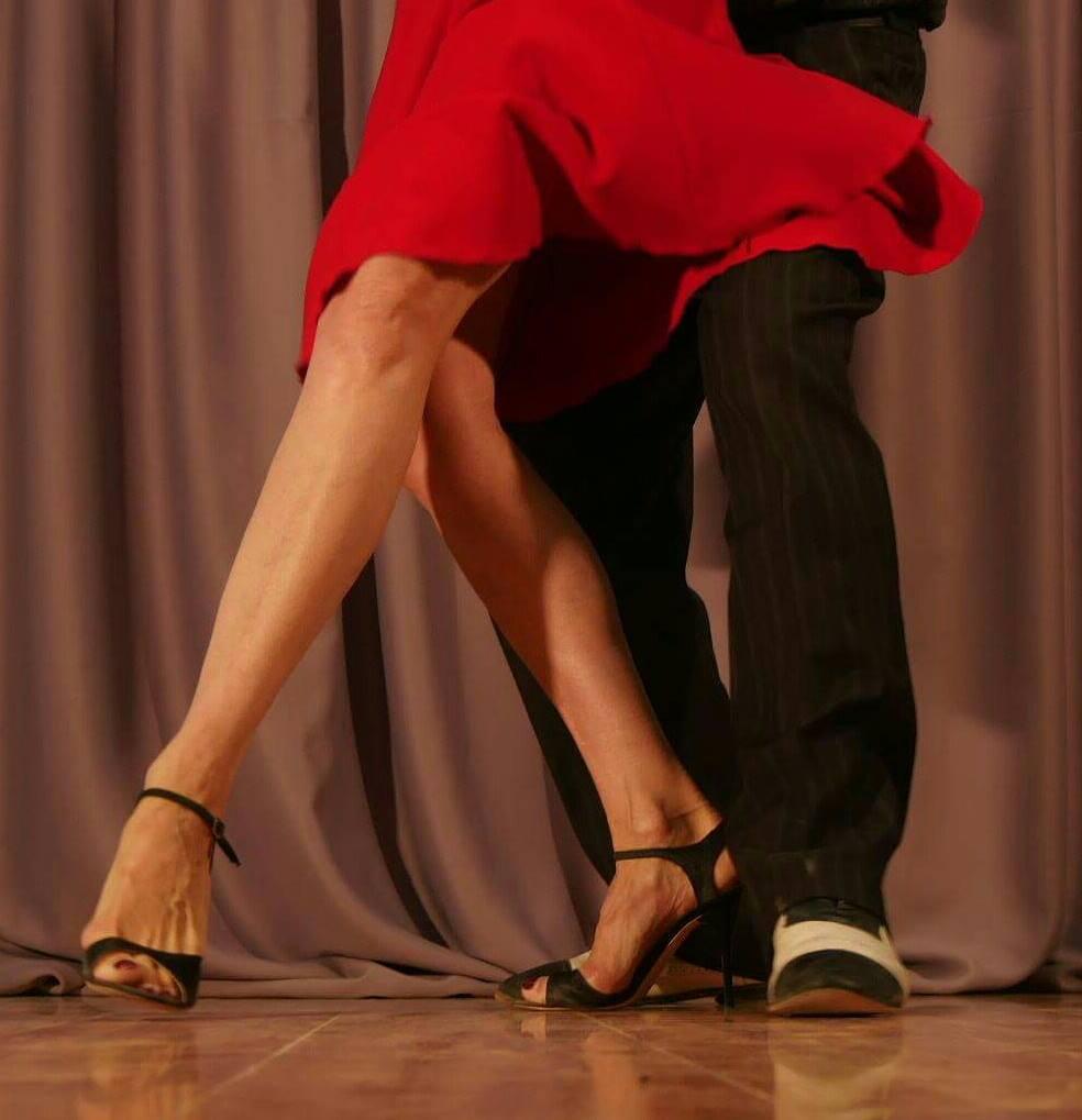 Открытые уроки вшколе аргентинского танго Диалог