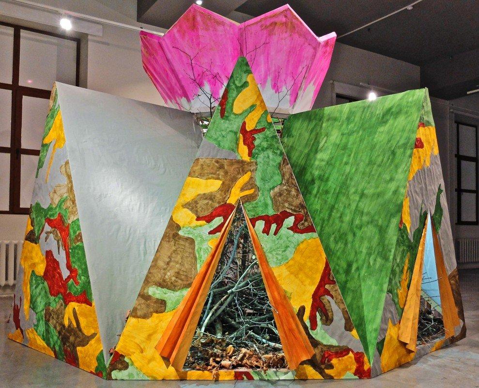 Выставка «Примирение Здесь»