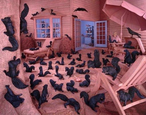 Выставка «Между воображением иреальностью»