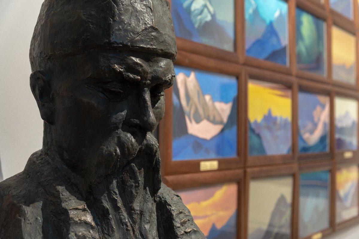 Экспозиция «Сохраняя культуру. Музей Рерихов наВДНХ»