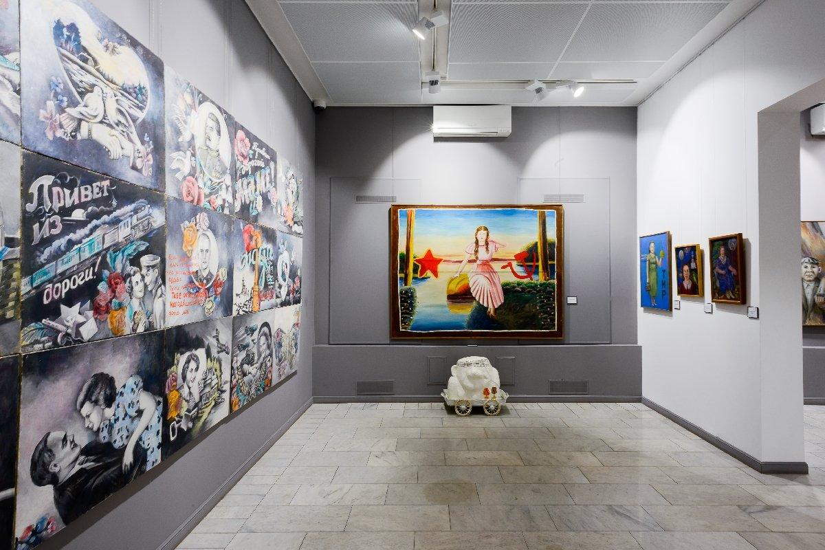 Выставка «Аркадий Петров. Без любви нетсчастья»