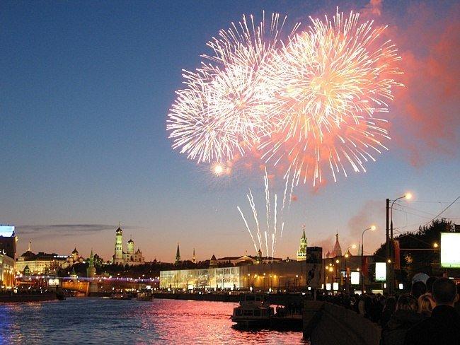 Новогодний салют 2015 вМоскве