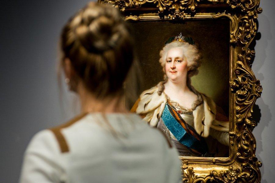 Выставка «История влицах. Шедевры портретной живописи XVIII-XIX веков»
