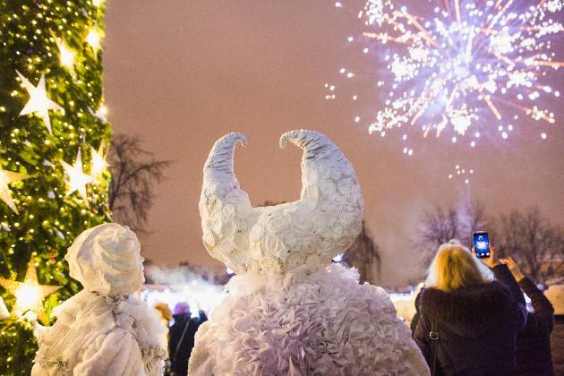 Новогодняя ночь впарках Москвы 2020