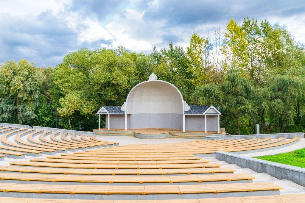 Парк «Певческое поле»