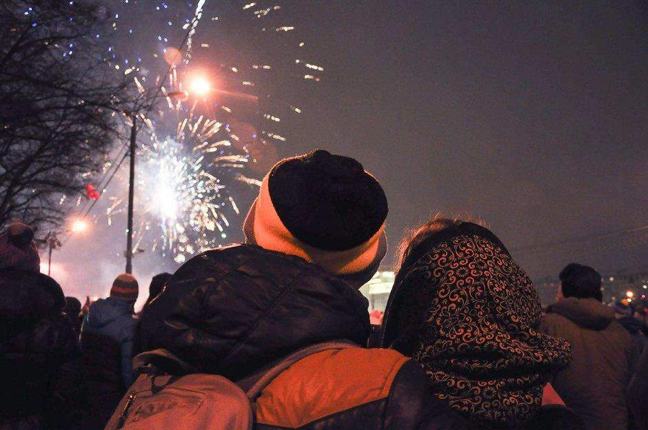 Новогодняя ночь 2018 впарках Москвы